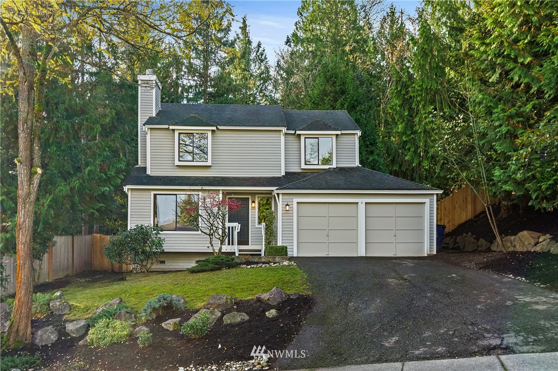 This one is not to miss. Beautifully remodeled home in the heart of Sammamish! Lovely updates throughout include interior & exterior paint, moldings, luxury vinyl flooring, carpet, lighting, furnace, countertops, & so much more. Spacious Master with brand new tile bath and walk-in closet. Large fully fenced back yard. Located on a quiet dead-end street just minutes to Shopping, trails, Library, & Restaurants. In coveted Lake Washington School District.