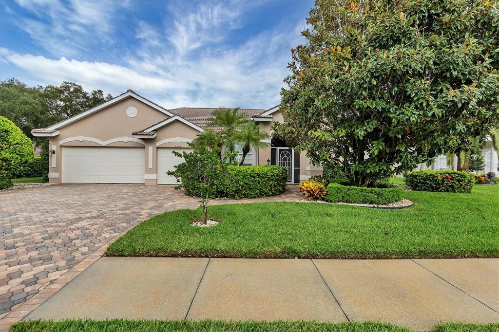 8992 Grey Oaks Avenue, Sarasota, FL 34238