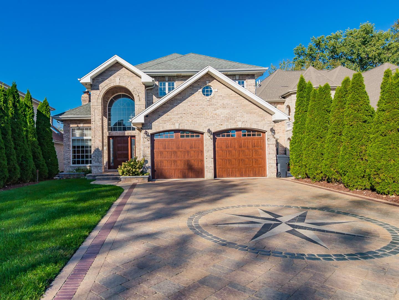 1438 Wedgewood Avenue, Des Plaines, IL 60018