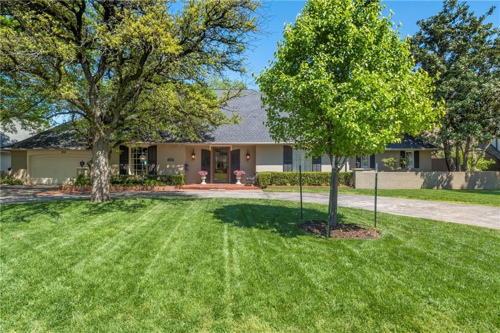 Perfection, comfort and elegance surround you as you move from the dynamic open kitchen club thru the spacious living to the master suite with fitted closet.  Beautifully landscaped yard with large pool.  Close to Whole Foods, Trader Joe's and Classen Curve.