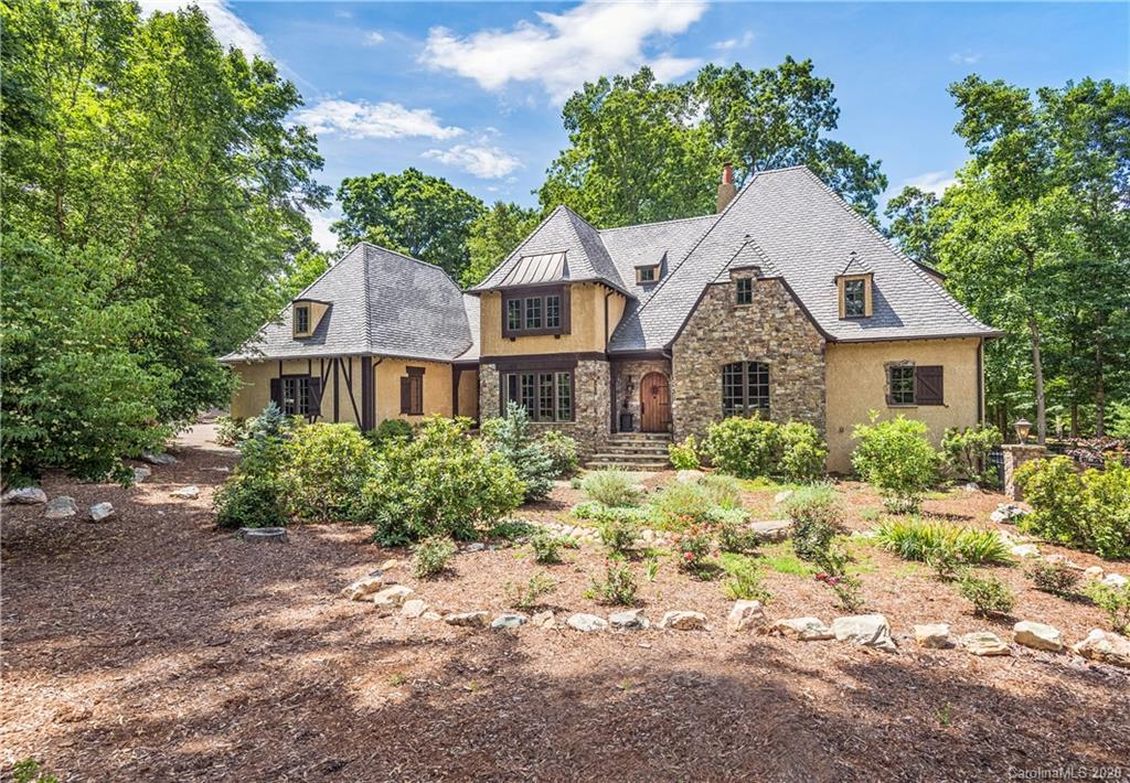 176 Valley Springs Road, Asheville, NC 28803