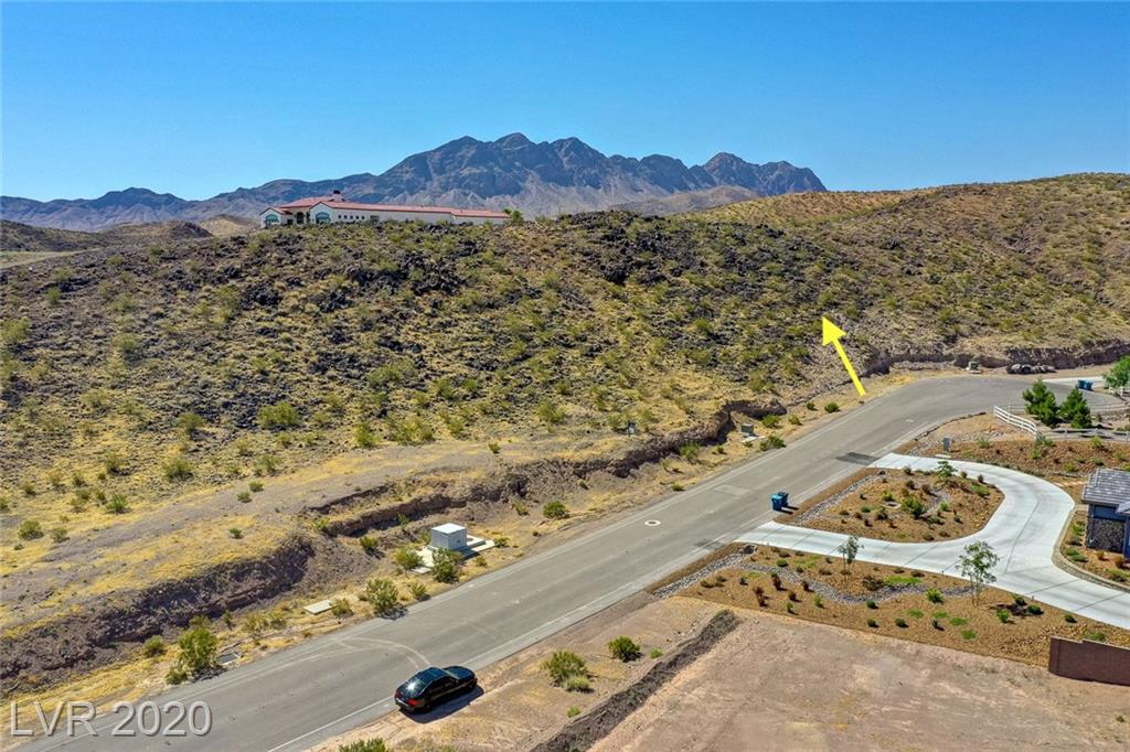 This 1.46 acres of land located in a cul-de-sac is your blank canvas to building your dream home with 360 degrees of mountain views surrounded by high end custom built homes.  All utilities are at the street, with no HOA!  Soils report available.  Conceptual designs available upon request.