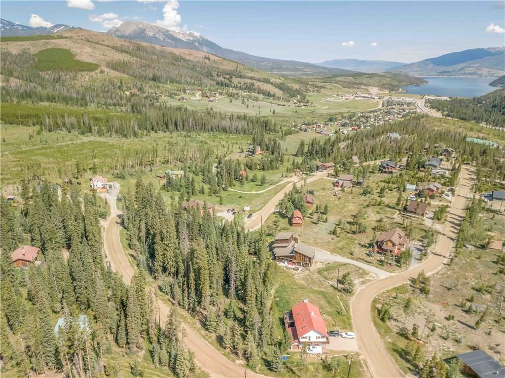 Incredible lake and mountain views from this homesite.