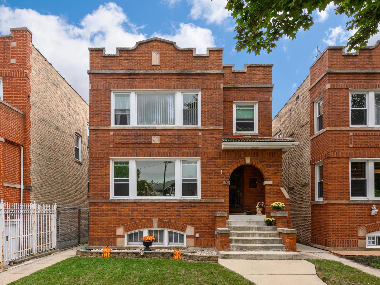 4512 N Kasson Avenue, Chicago, IL 60630