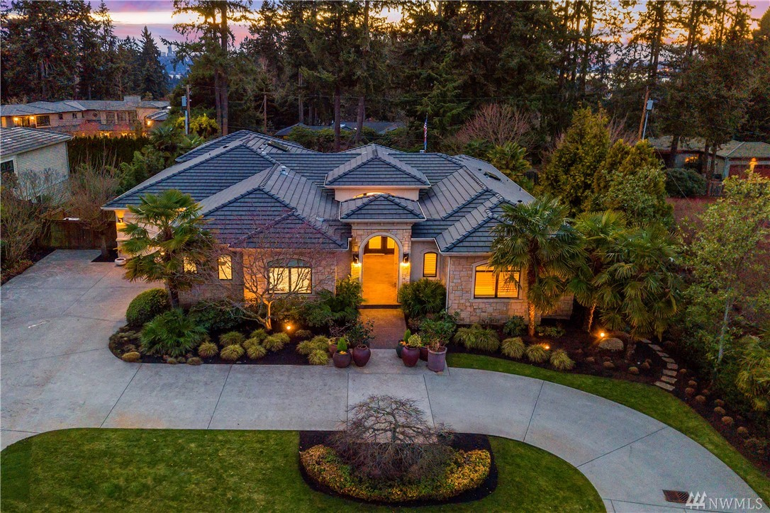 Rare Chaffey custom home built in 2007, offers 5,300 sf of luxury! Constructed with exceptional materials & fine craftsmanship. Wonderful open floorplan & fantastic indoor/outdoor spaces are perfect for entertaining! Gourmet kitchen with top of the line stainless appliances. Sumptuous master; spa-like 5 piece bath. Outdoor living room, Theater, Wine cellar. High tech; Crestron, Lutron. Generator. Pool and spa. Fully finished 3 car garage. Professionally landscaped on a private, level half acre.