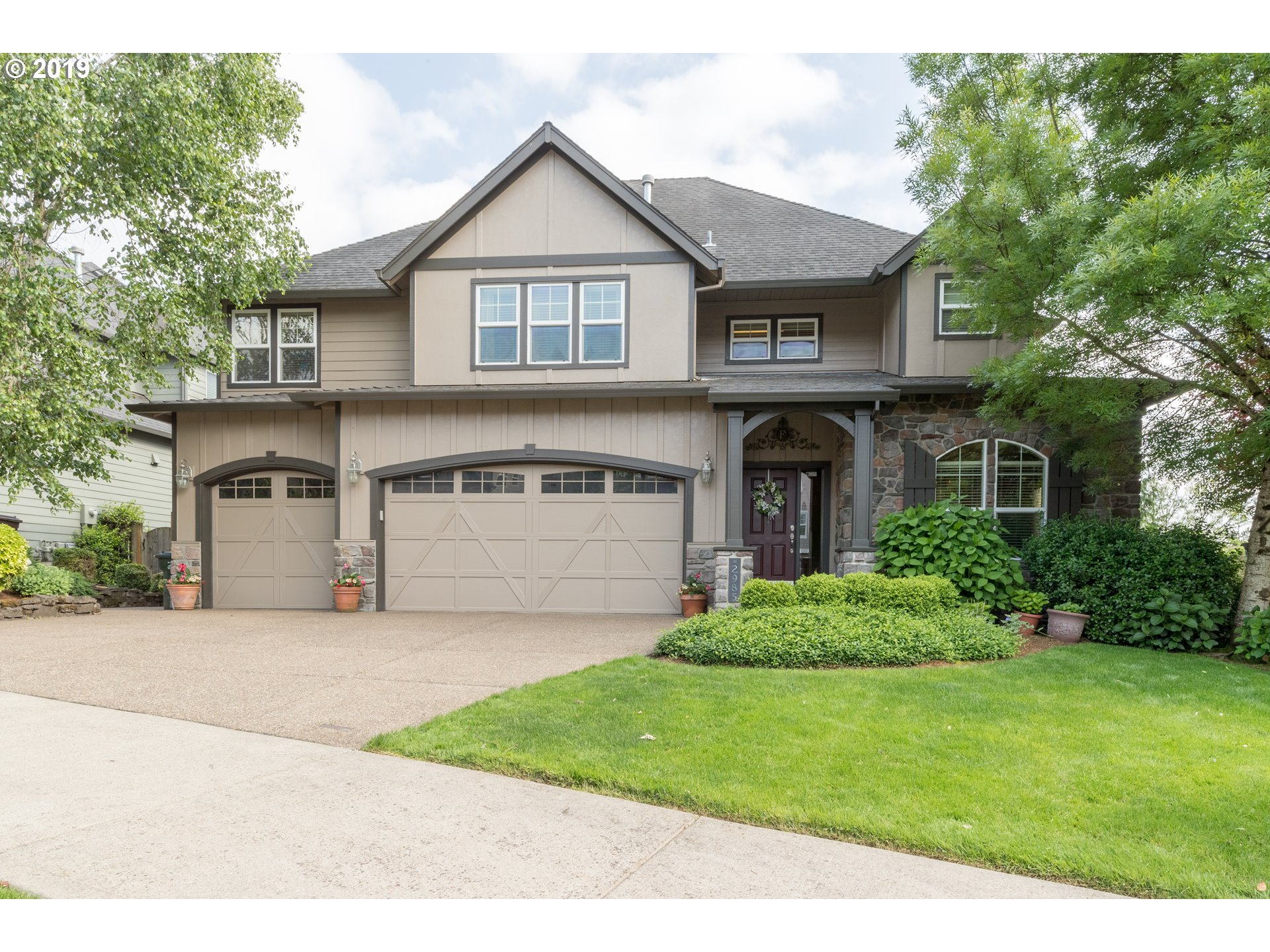 Updates throughout this Beautiful West LInn Home. Master Bath, Kitchen, interior and exterior paint is just the beginning.  This one is a must see if you are looking for 5-6 Bedrooms. The 6th Bedroom is also the Bonus room with custom built in to include a closet.