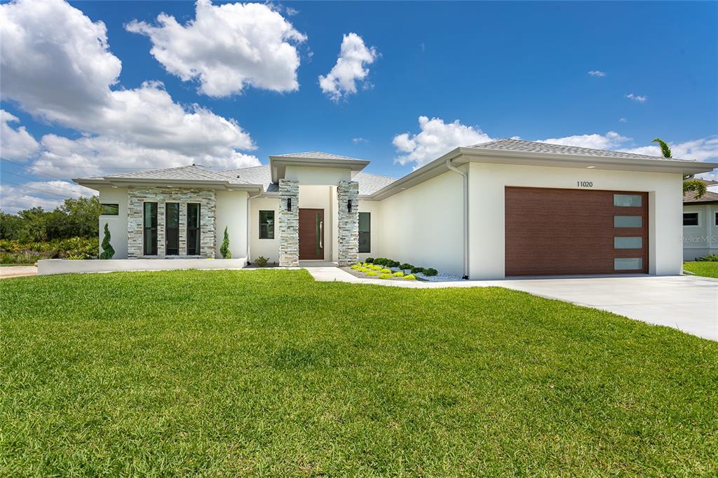 11020 Sunnydale Avenue, Englewood, FL 34224