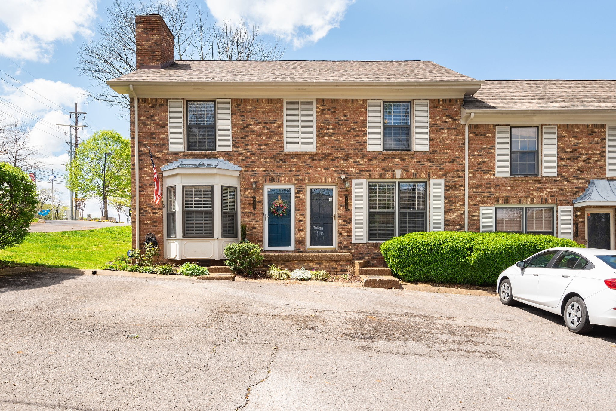 Renovated town-home in great location. Large Bedrooms, open living area, nice back patio, new HVAC and newer roof & Water Heater. Minutes to I-65, I-24, shops, dining and grocery.  Great to live in or investment.