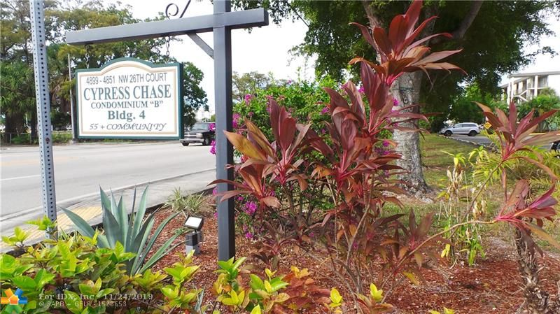 MOTIVATED SELLER, PRICE TO SELL, 2 BEDROOMS AND 2 BATHROOMS IN CYPRESS CHASE , A VERY DESIRABLE HOPA (55+) COMMUNITY ACROSS FROM FLORIDA MEDICAL CENTER. LAMINATE THROUGHOUT, UNIT LOCATED ON THE 3RD FLOOR WITH PARKING RIGHT IN FRONT OF YOUR UNIT. ENCLOSED BALCONY FOR EXTRA LIVING SPACE OVERLOOKING THE GARDEN. AMENITIES INCLUDED CLUBHOUSE, POOL, PICNIC AREAS WITH BARBECUE & SHUFFLEBOARD. GREAT LOCATION NEAR SHOPPING, RESTAURANTS AND ONLY 7 MILES TO THE OCEAN AND 12 MILES TO F.LAUDERDALE AIRPORT. SMALL PET UNDER 20LBS ALLOWED.