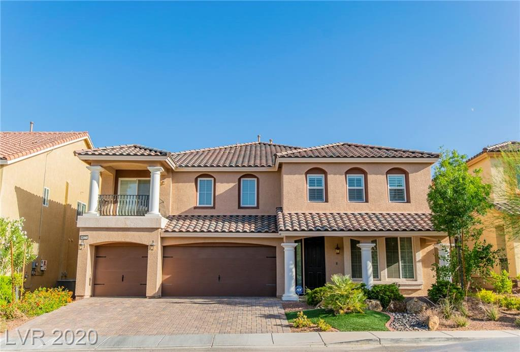 Beautiful 5 bedroom home located in the heart of Southwest. This home features many upgrades such as, large family room, kitchen features granite countertops with large kitchen island, huge upstairs loft, shutters/blinds/custom drapes throughout home and many more.