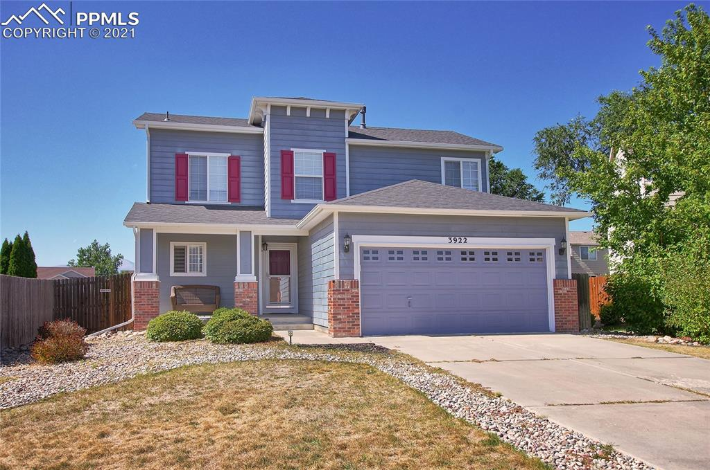 LOCATED ON A CUL-DE-SAC IN THE NORTH RANGE AT SPRINGS RANCH WITH GREAT MOUNTAIN VIEWS. SPACIOUS MAIN LEVEL INCLUDES LARGE WALK OUT KITCHEN WITH COUNTER AND ALL APPLIANCES INCLUDED. BONUS LOFT AREA PERFECT FOR TV/GAME ROOM, OFFICE OR WORKOUT AREA. CONVENIENTLY LOCATED WITH QUICK ACCESS TO THE MARKSHEFFEL AND POWERS CORRIDORS, MILITARY BASES AND COLORADO SPRINGS AIRPORT.
