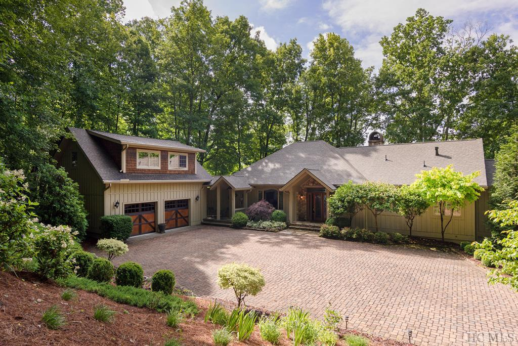 954 Spring Forest Road, Sapphire, NC 28774