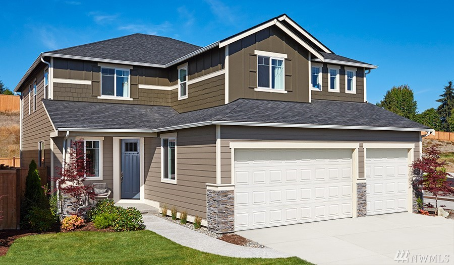 New construction at Elk Run-the Seth! The main floor of the Seth plan features a large gourmet kitchen with an island, walk-in pantry and nook that opens to an immense great room. The home continues to impress with a formal dining room and quiet study that can be optioned as an extra bedroom. Upstairs, you'll find a loft and a luxurious master suite with a deluxe master bath.