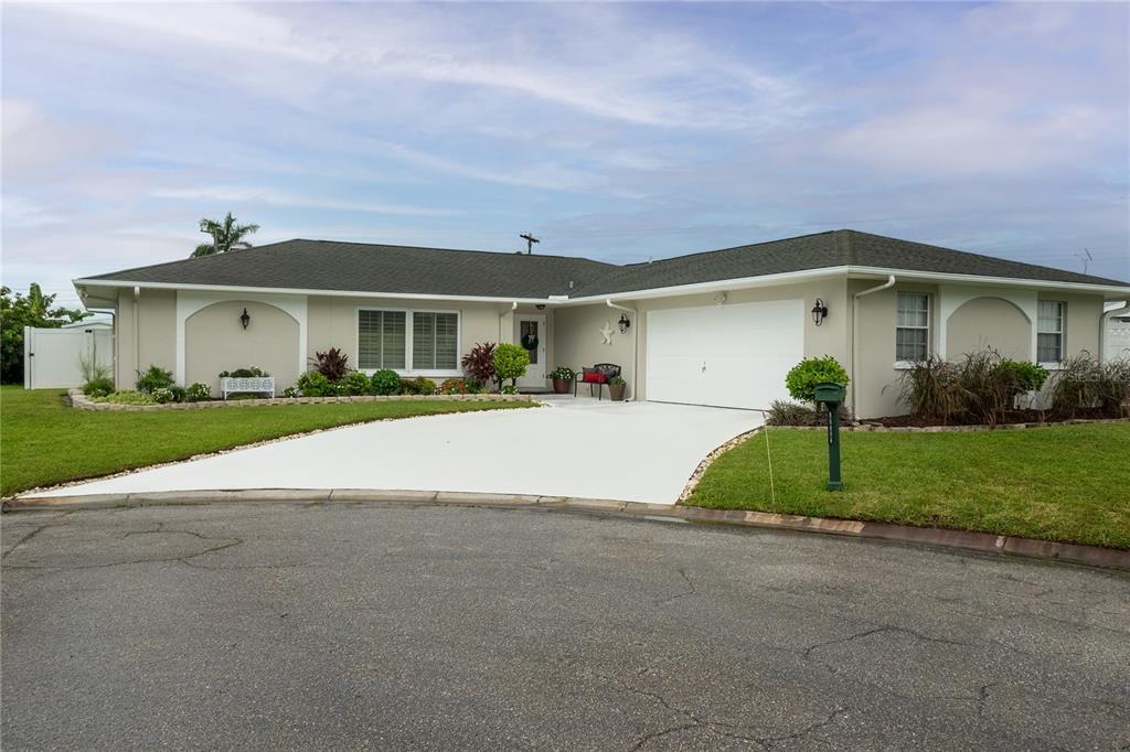 4648 Orlando Circle, Bradenton, FL 34207