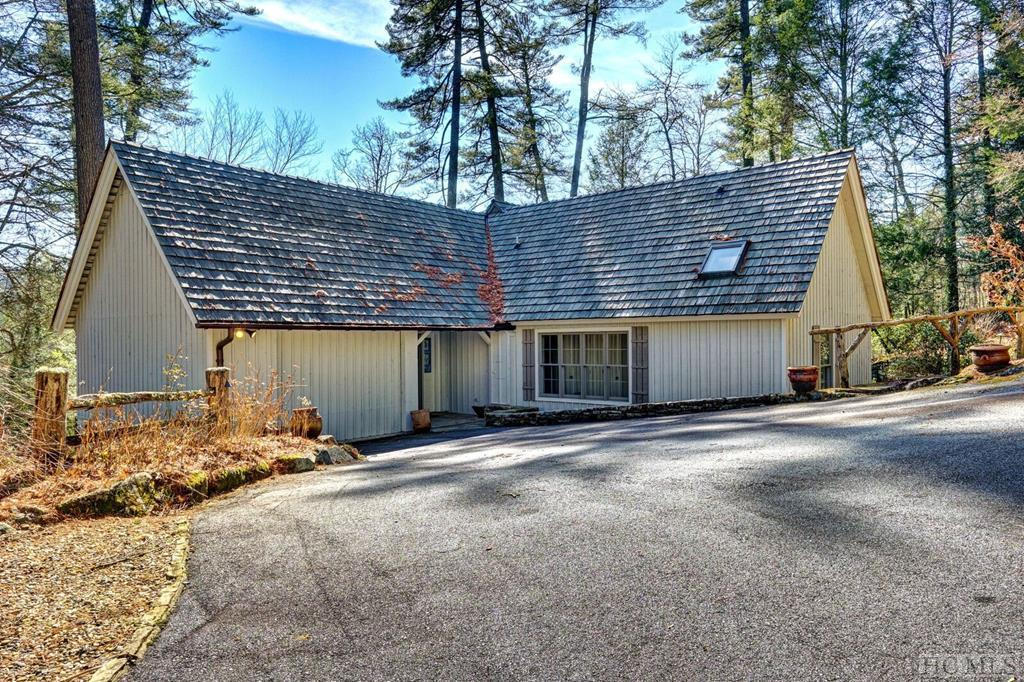 38 Indian Pipe Road, Cashiers, NC 28717