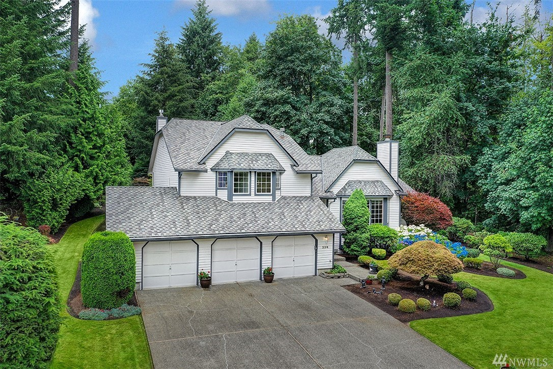 A once in a lifetime opportunity awaits!  Classic NW craftsmanship, 2530 SQFT home on a handsome, perfectly manicured 15,634 SQFT lot.  The home is perfectly positioned at the end of one of the most desirable neighborhoods in Federal Way.  Perfect for entertaining!  True cedar siding, 40 year architectural comp roof, real hardwood floors, sprawling open concept kitchen and entertaining areas.  Welcome home!!