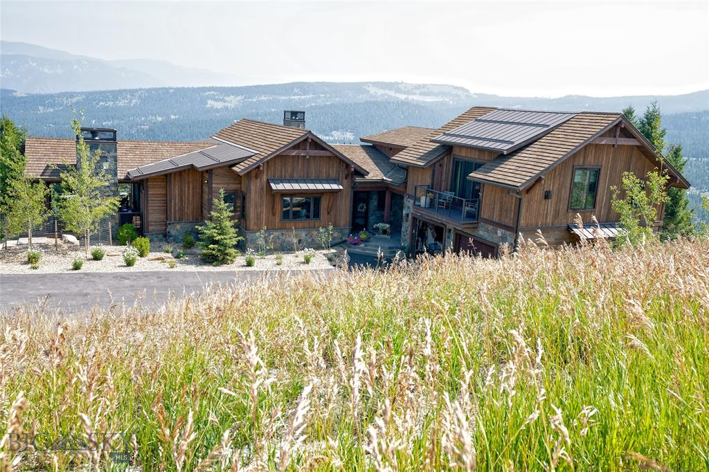 Privacy at the end of Elk Valley Rd. surrounded by open space with awesome views.  Open floor plan with highest custom construction and finishes.