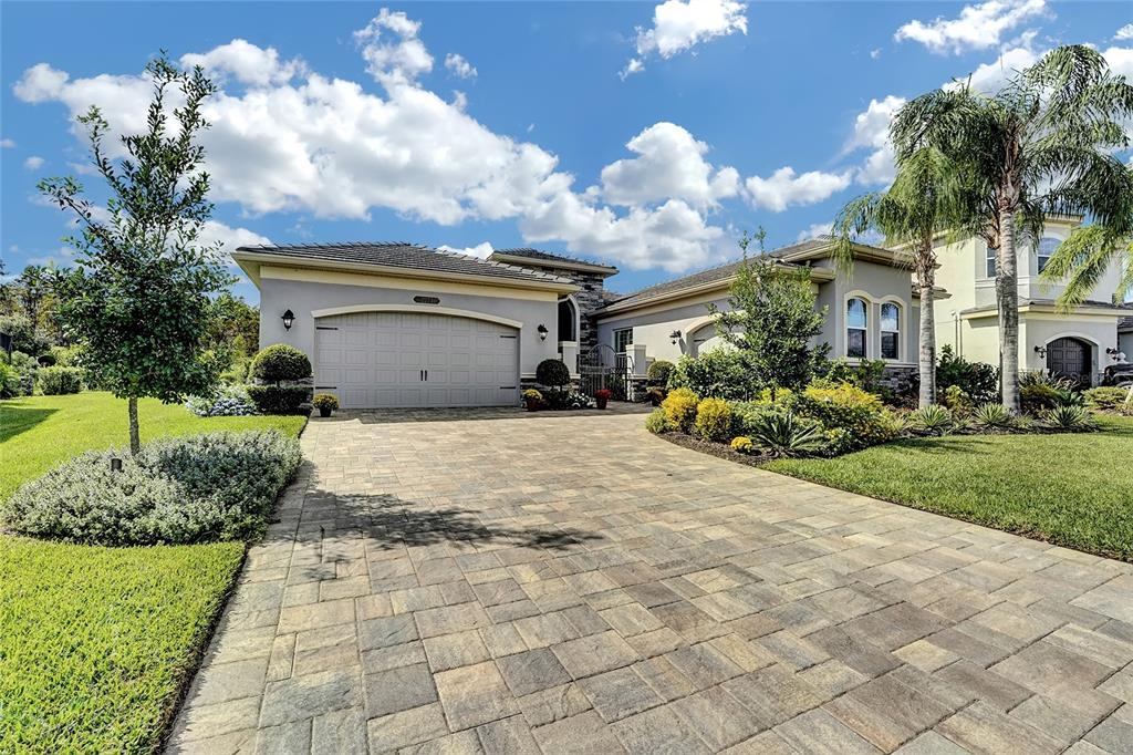 2273 Hollow Forest Court, Wesley Chapel, FL 33543