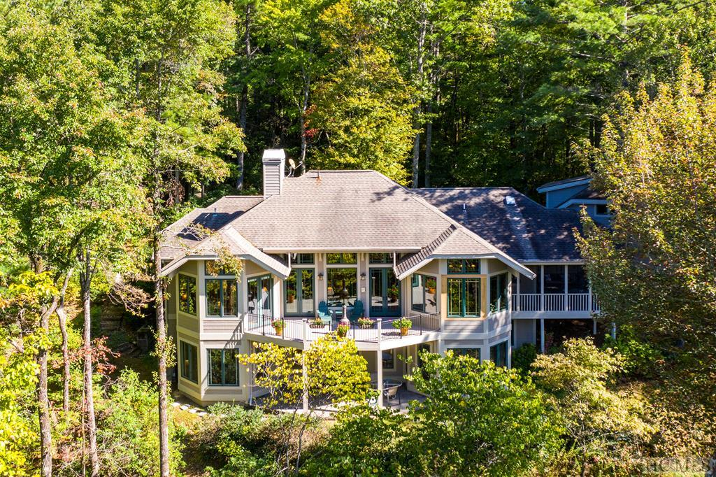 158 Seminole Way, Lake Toxaway, NC 28747