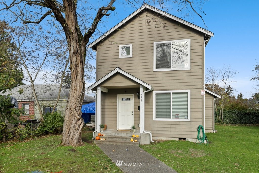 Amazing location and investment opportunity. Home is 6 bedrooms/ 3 bathrooms, and very close to the PLU campus! Perfect for anyone needing a lot of bedroom/bathrooms or as an investment rental.