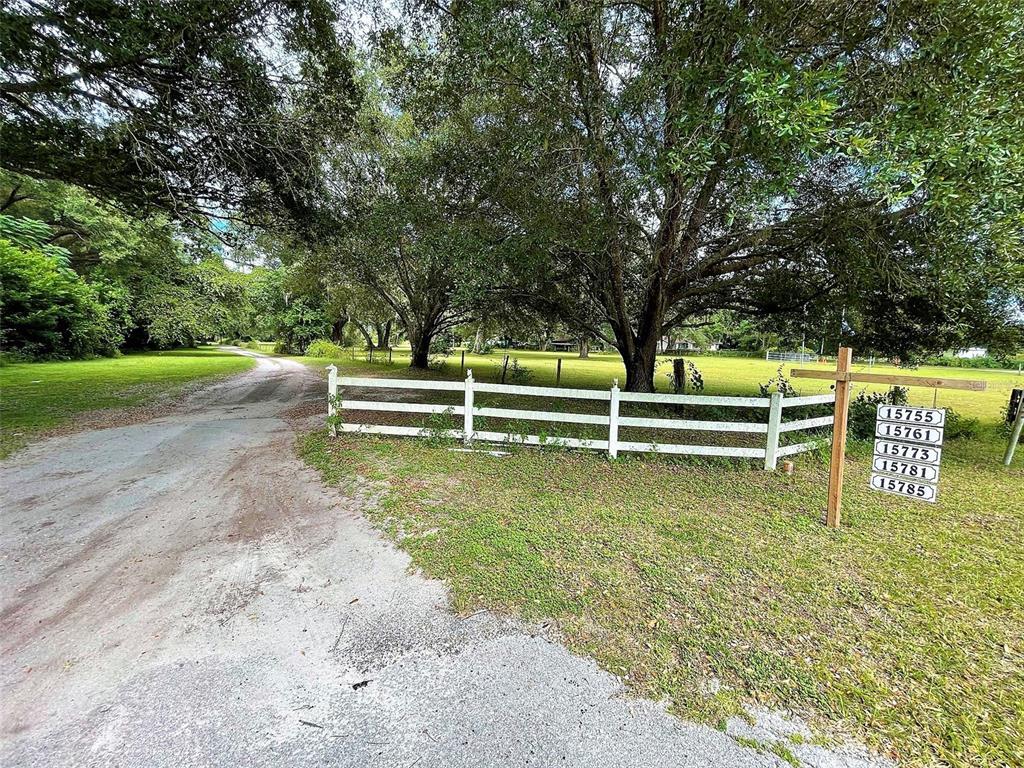 15755 SE Highway 42, Weirsdale, FL 32195