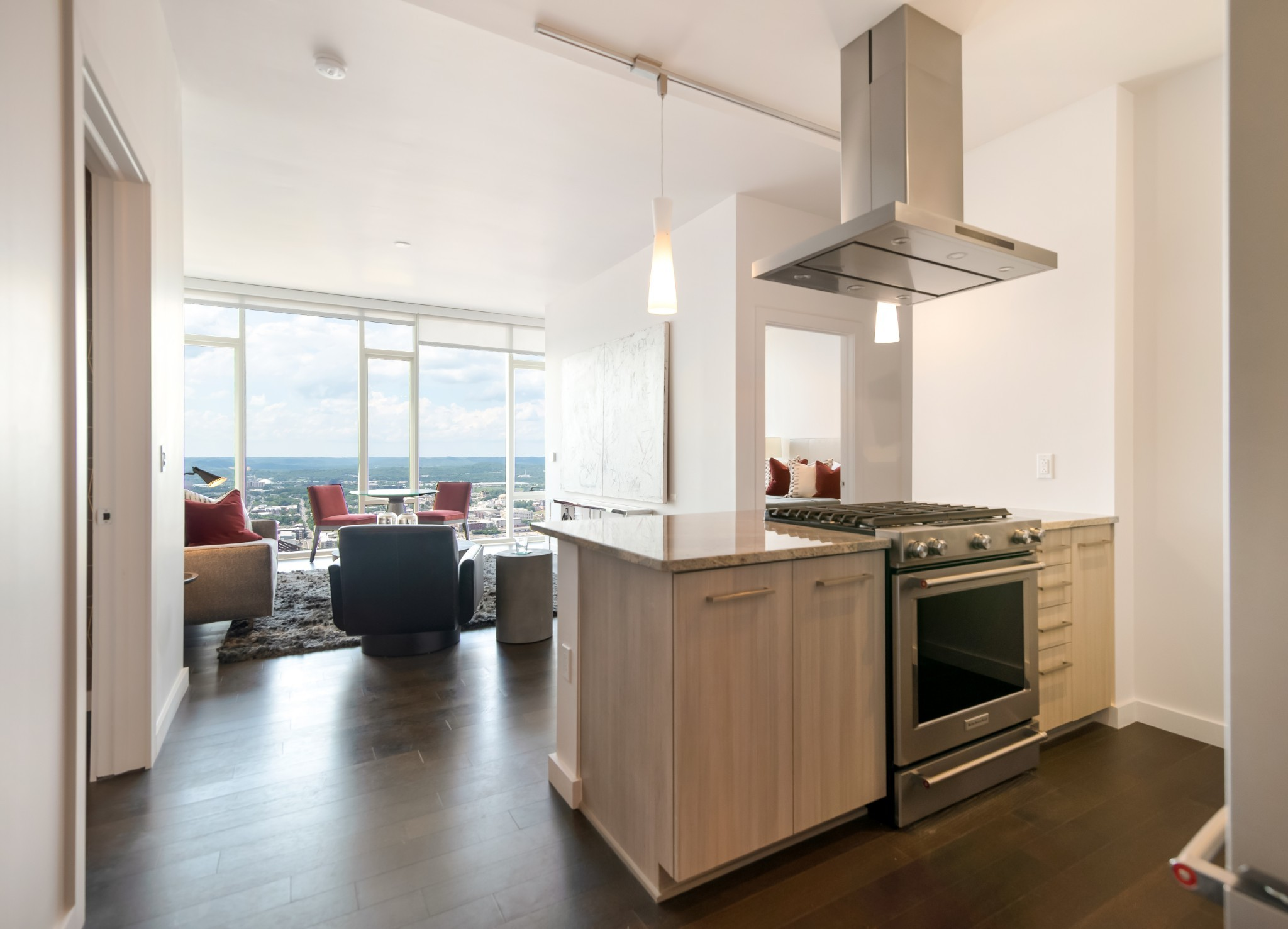 Modern elegance and timeless sophistication at the unparalleled 505 high-rise. Beautifully appointed 2-BR with breathtaking wall-to-wall views of Nashville's iconic skyline and distant hilltops. Resort-style pool, cabanas, tennis, Technogym fitness center, dog park. Exclusive owners-only wine cellar, lounge, dining room with catering kitchen and fitness room. Located in the epicenter of all downtown activities. Walk to music, theater, sports and restaurants.