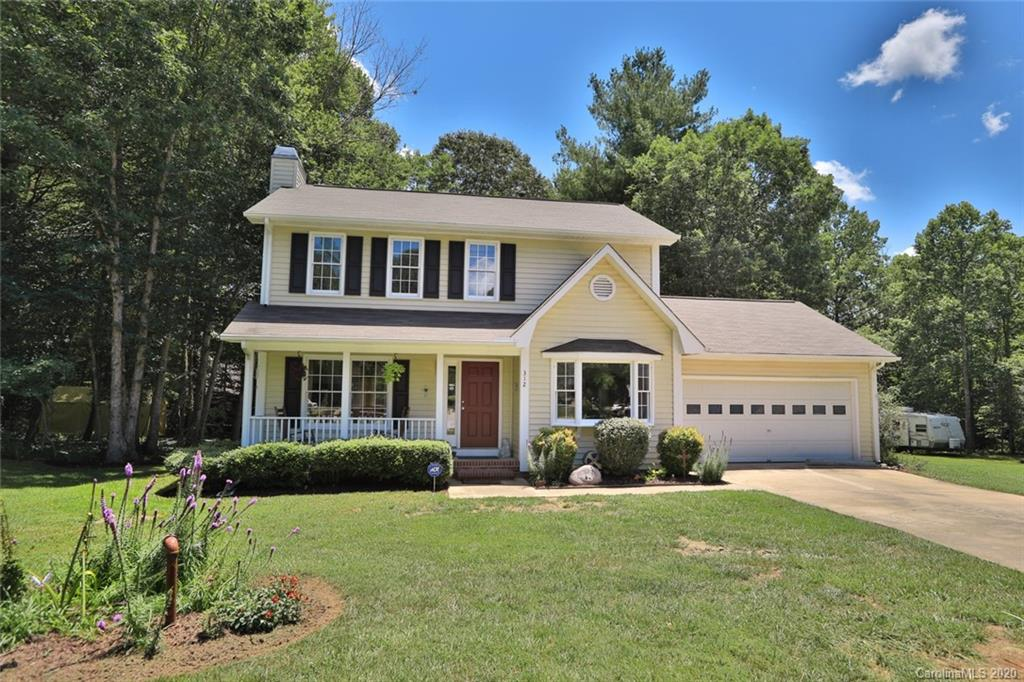 Delightful 2 Story on CUL-DE-SAC in SOUTHCHASE in growing Fletcher community. The home has a great level lot.  This home features a large LR w/FP w/Gas LOGS, Complete KIT, DR, 3 BRS, 2.5 BA, Deck, and 2 Car Garage.  Feels like a park with considerable play and garden areas.