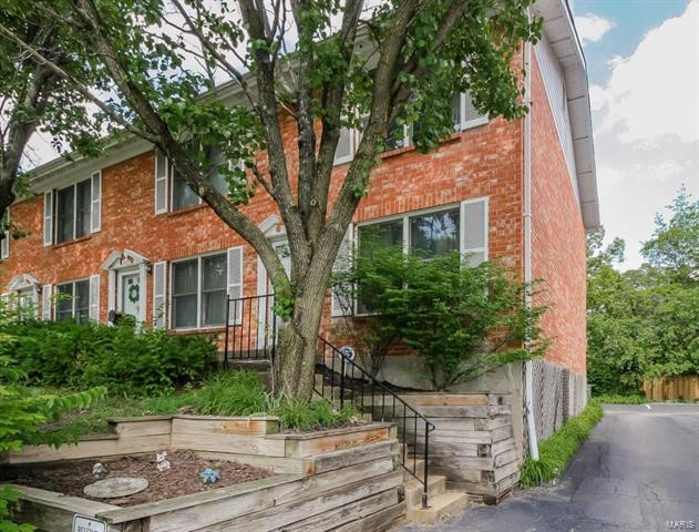 1532 Yale Avenue, Richmond Heights, MO 63117