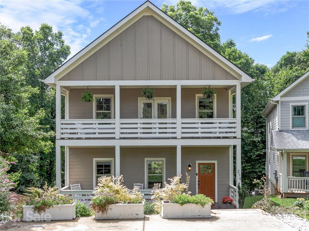 219 Courtland Place, Asheville, NC 28801