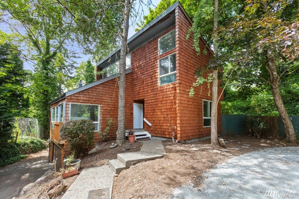 Beautiful Duplex w/tons of Privacy! Unit#23359-Remodeled 3bed/1.75bath w/fireplace boasts fresh interior paint, new stove & carpeting. Cathedral ceiling w/tons of natural light! 3pane windows & cement walls for sound barrier & privacy! Fully fenced backyard perfect for entertaining! Lower level w/bonus storage or wine cellar? Unit#23361 is occupied w/long term tenant+instant cash flow! Property located on quiet dead-end street, spacious lot w/RV parking! Close to schools, parks & freeways!