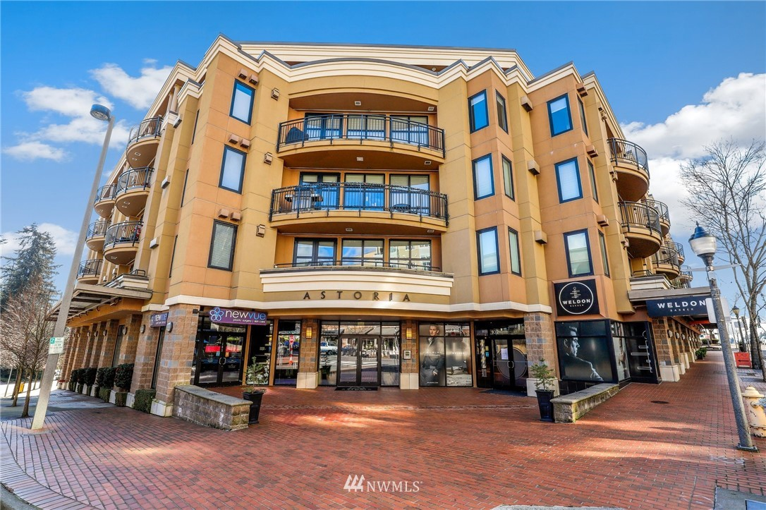 SLEEK, STYLISH, ELEGANT condo on old Main in DT Bellevue in the Astoria@Meydenbauer Bay, a 71 unit boutique building. FLOOR-TO CEILING windows & high-end finishes. SPACIOUS living room w/HW floors, gas FP & balcony w/western peek-a-boo views of Meydenbauer Bay. Chef's kitchen w/granite, gas range & breakfast bar. Den/office off entry. Beautiful bedroom suite w/gorgeous views, 5-piece bath, walk-in closet w/CA closets & a door to the view deck! SECURE building w/on-site concierge, underground parking & storage. LIVE-WORK-SHOP-PLAY-DINE @ Main St. boutiques, restaurants, parks & galleries. Walk score of 99! You'll love living in downtown Bellevue!