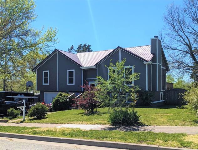 109 S Jefferson Avenue, Knob Noster, MO 65336