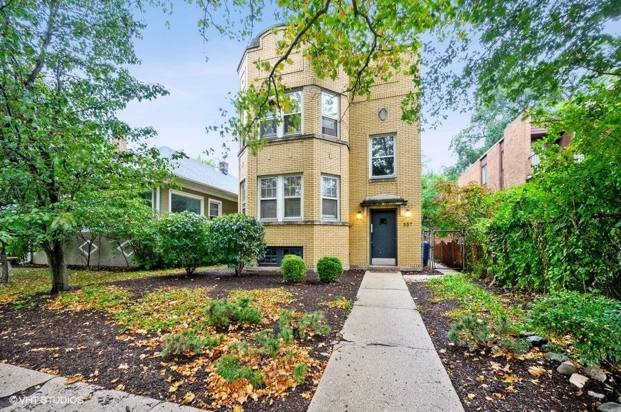 557 Barton Avenue, Evanston, IL 60202