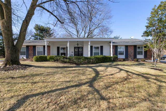 153 Chateaugay Lane, Chesterfield, MO 63017