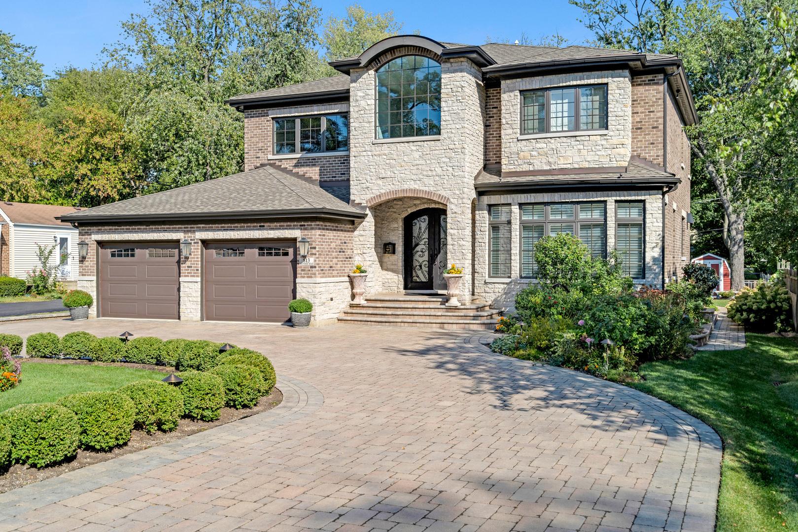 813 Glenshire Road, Glenview, IL 60025