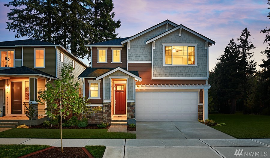 New construction- come see the Lowell with daylight basement! On the main floor, you'll find a great room, an open dining room & impressive kitchen w/ center island & optional gourmet features. You'll also appreciate a covered patio w/ an optional fireplace. Upstairs, enjoy a convenient laundry, a loft and 3 bedrooms, including an elegant master suite w/ immense walk-in closet & optional deluxe bath.