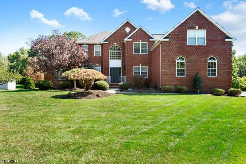 3 CARLY CT, Monroe Twp., NJ 08831