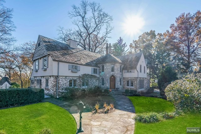 350 Stonycroft Road, Ridgewood, NJ 07450