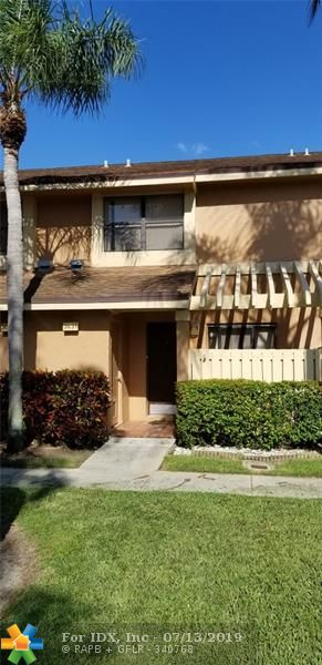 Spectacular 2 master bedrooms, 2.5 bath townhouse located in the TOWNSHIP in the nature preserve. Totally renovated and updated. New open kitchen, Stainless Steel Appliances