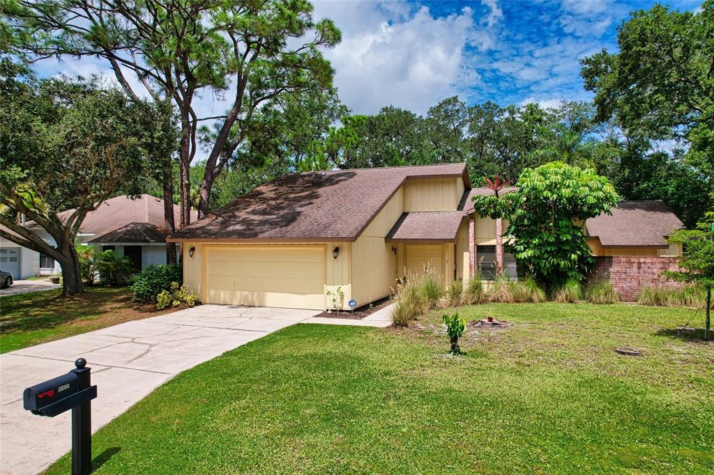 3711 Heather Lake Circle, Sarasota, FL 34235