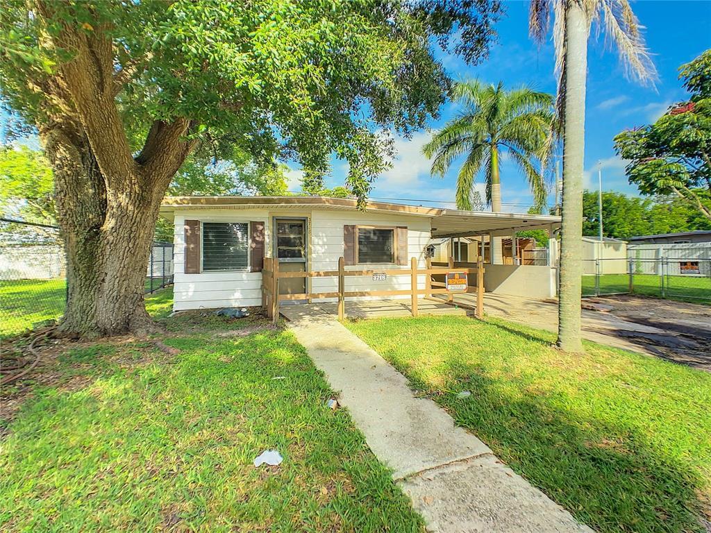 3718 16Th Street W, Bradenton, FL 34205