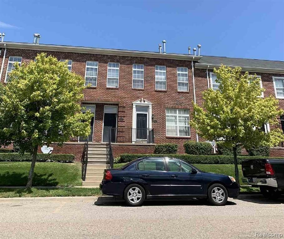 14285 Vauxhall drive, Sterling Heights, MI 48313