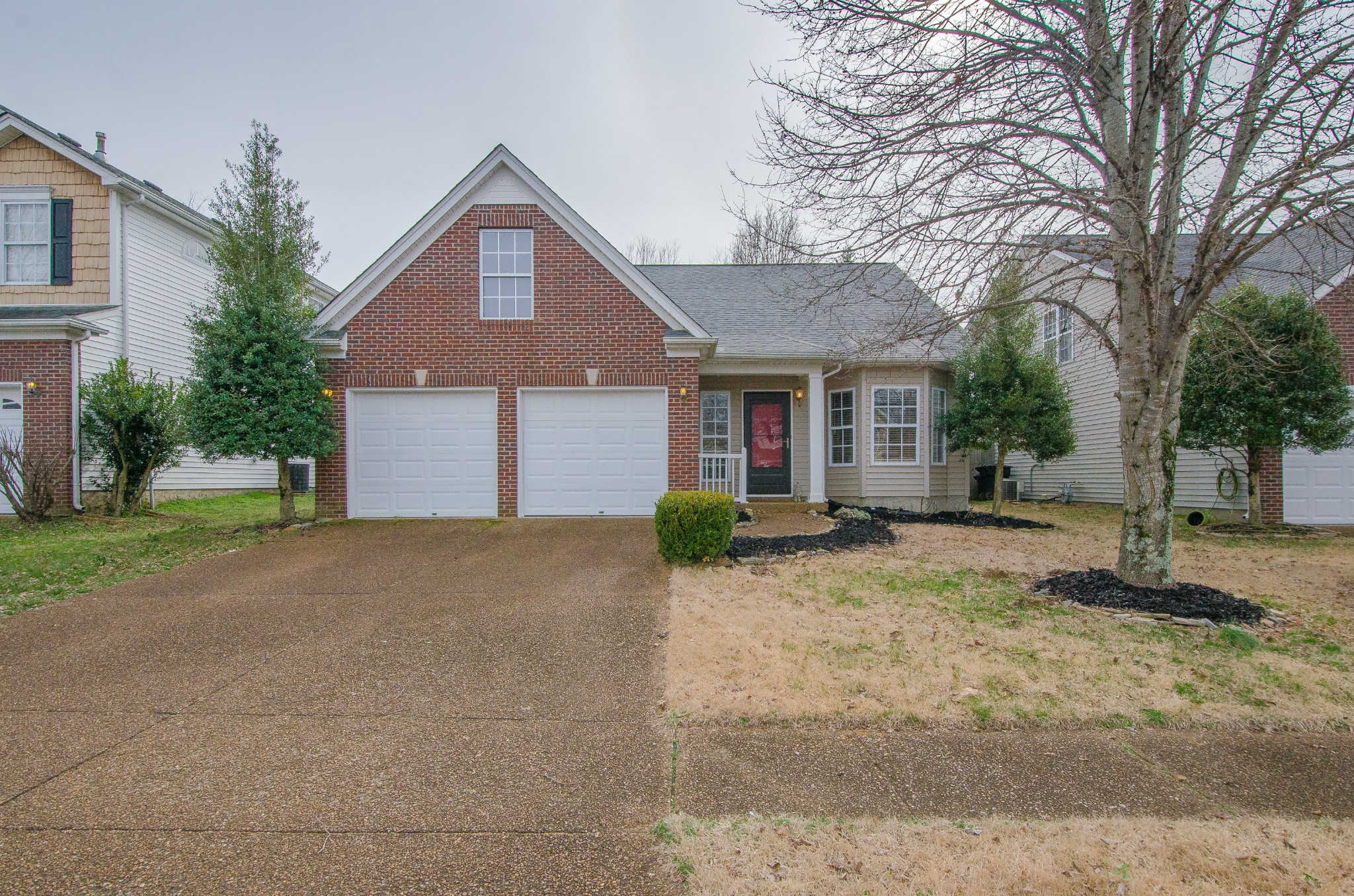 OPEN HOUSE Sunday February 2nd, 2-4pm!!  GREAT HOME in the high demand Franklin Green community!!! 3 Bedroom / 2 Full Baths / Private Fenced Back Yard /  2 Car Garage plus extra storage, walk-in attic / Community Pool / Beautiful Common Areas / Playgrounds / Walking Trails throughout the surrounding woods. OWNER / AGENT
