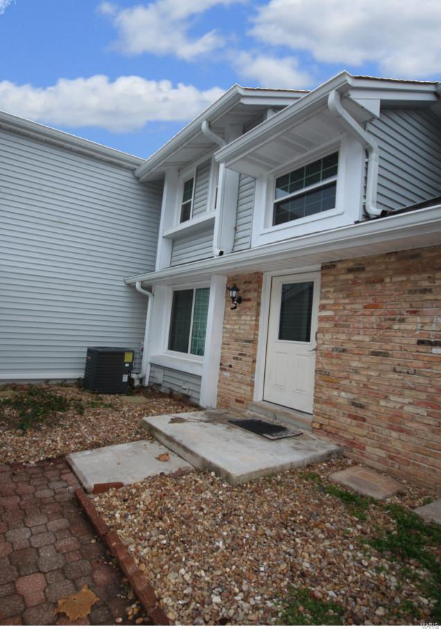2353 Green Circle Court, Chesterfield, MO 63017