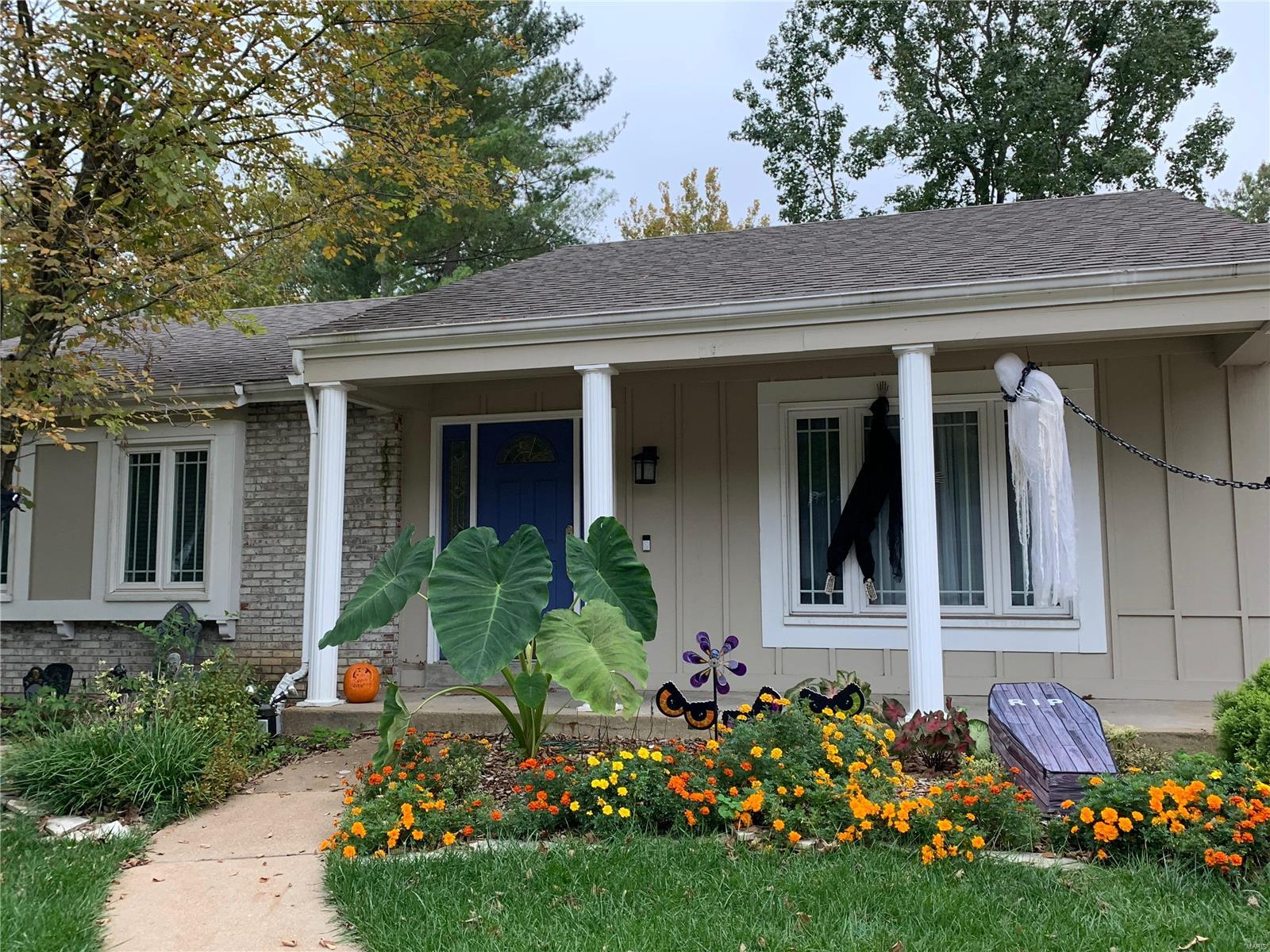 15422 Grantley Drive, Chesterfield, MO 63017