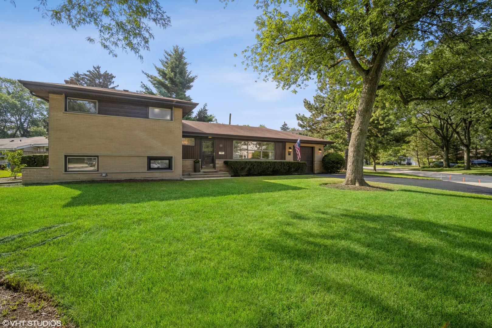1035 Arbor Lane, Glenview, IL 60025