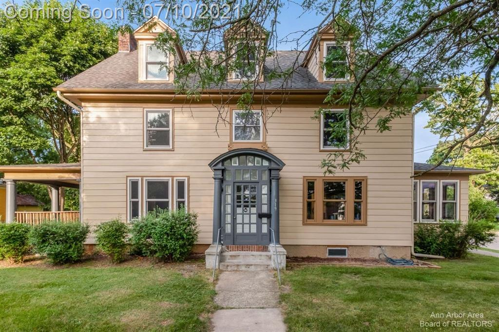 """HIGHEST AND BEST OFFERS DUE WEDNESDAY, 7/14, 10 A.M. """"They don't make them like this anymore!'' truly applies to this historic district beauty that's been prepared for new owners.  Hardwood floors were recently refinished and are gleaming.  There's plenty of room to move and enjoy life with the large living and dining rooms--oh, the parties you can have!  The bedrooms are spacious, there's new windows throughout, and it's been freshly painted.  Use the sunroom as a cozy space to sip your favorite brew in the mornings or turn it into a study--the possibilities are endless!  Last but not least, this home has been declared """"lead free"""" by the State of Michigan.  No virtual showings allowed.  BATVAI."""
