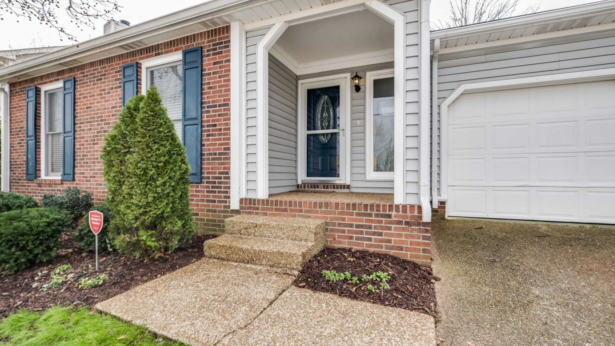 Located in the desirable neighborhood of Villages of Brentwood!  One level open floor plan with three bedrooms and two full bathrooms. Updated kitchen with SS appl. Extra large backyard with full 6ft privacy fence!