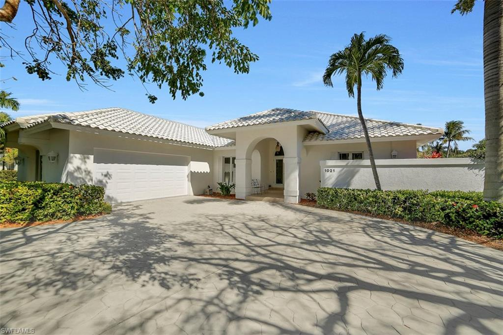 1021 E Inlet DR, MARCO ISLAND, FL 34145