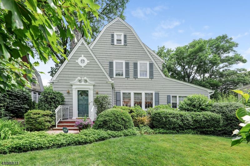 8 WASHINGTON PARK, Maplewood Twp., NJ 07040